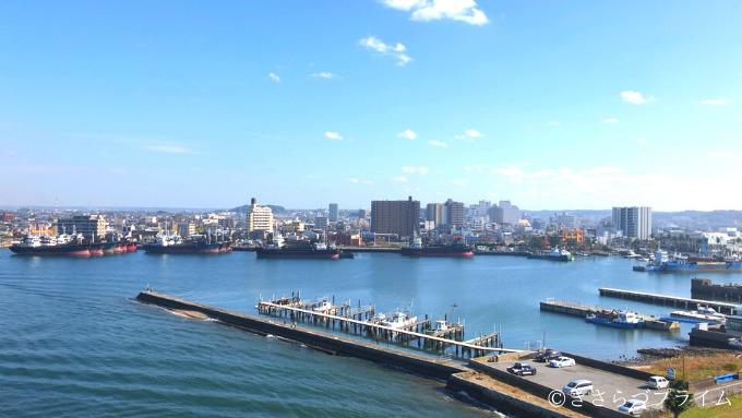中の島大橋から見た昼間の木更津市街地